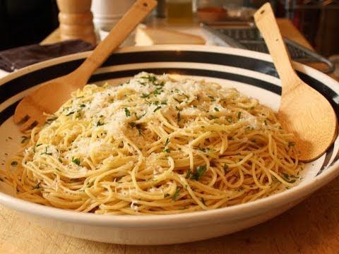 Garlic Spaghetti Spaghetti Aglio E Olio Recipe Pasta With Garlic And Olive Oil Amazing Vegan Recipes